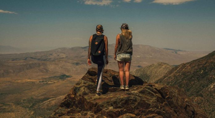 Tips-to-Choose-the-Best-Women's-Hiking-Pants-&-Shorts-on-thevocalpoint