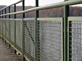 4-Safety-Fences-Benefits-in-Industrial-Area-on-thevocalpoint